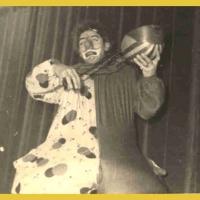 Bunter Abend: Jungelfer Ewald Volz als Clown.