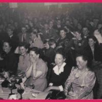 Bunter Abend: Ein Blick in das begeisterte Publikum.