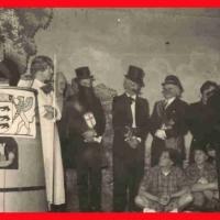 """Großer Bunter Abend: Die Nummer """"Ba-Wü-Wa"""" spielte auf das neue Baden-Würtembergische Wappen an. Mit dabei waren: Gustav Kabusreuther, Arno Moser, Werner Mutter, Bruno Ramsperger, Josef Gottmann und Walter Stöß."""