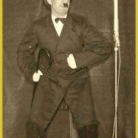 """Bunter Abend: """"Jesses sind die Männer dumm"""", hatte Alfred Koch bei seiner Büttenrede zu berichten."""