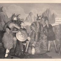 Bunter Abend: Die alten Germanen waren vertreten durch Konrad Uetz, Wilhelm Auer, Josef Auer und Walter Stöß. Dazu gesellten sich noch ein schnellschwätzender Hunne (Werner Mutter) und zwei Römer (Bruno Ramsperger und Alfred Koch).