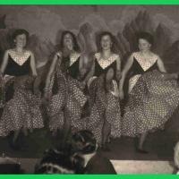 Bunter Abend: Es tanzten mit: I. Bischoff, C. Schaer, B. Kuster, S. Oppe, M. Ohlenschläger, Einstudiert von E. Bischoff.