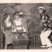 Bunter Abend: Im Urlaub sod me sich aber id so benehme wie die Touristen: Elli Bischoff, Sigi Schaer und Herbert May.