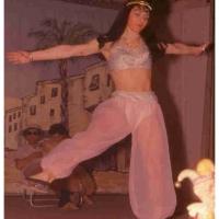 Bunter Abend: Helga Matheis bei ihrem orientalen Solo-Tanz.