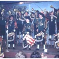 Bunter Abend im Schützen: Lautstark kündeten Fanfaren und Trommler des Fanfarenzuges unter der Leitung von Alex Volz den Abend ein.