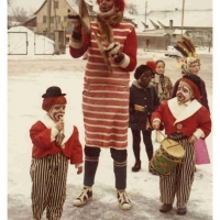 Schmutziger Donnerstag: Clowngruppen-Clown Werner Mutter mit den Söhnen Michael und Bernd Mutter.