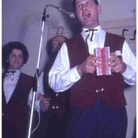 Bunter Abend im Schützen: Es sangen mit: B. Ramsperger, W. Schaer, D. und W. Stöß, M. und W. Theuerjahr.