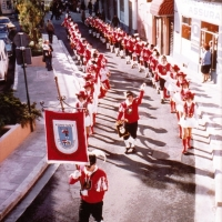 Fanfarenzug und Garde in Nizza: Kleiner Umzug durch die Stadt.