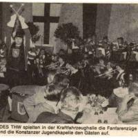 Zum 18. Husaren dirgierte Günter Uetz den Fanfarenzug zusammen mit der Jugendkapelle. Das Publikum war begeistert.