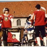 Zum Heimattag Baden-Würtemberg spielte die Gemeinschaft Konstanzer Fanfarenzüge auf dem Stefansplatz. Insgesamt waren 180 Bläser und Trommler angetreten. Dirigent war Alex Volz. Günter Uetz stand ausnahmsweise an den Kesselpauken.