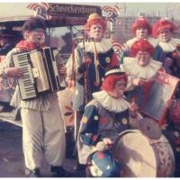 Schmutziger Donnerstag: Die Clowngruppe auf dem Gottmannplatz.