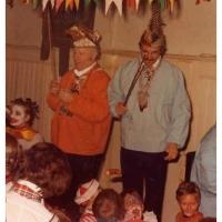 Betriebsleiter Walter Buck und Elferrat Sigi Greis beim Kinderball am Rosenmontag im Ziegelhof.