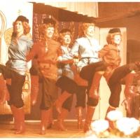 Narrenkonzerte im Konzil: Das Moskauer Bolschoi-Ballett mit Ingrid Balm, Christine Battke, Angelika Bertram, Gisela Görn, Anni Heinrich, Monika Müller, Renate Spacil, Angelika Stöß, Birgeit Streibert und Antje Titz.