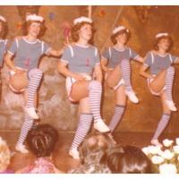 Narrenkonzerte im Konzil: Das Schneckenburg-Ballett veranstaltete mit dem zweiten Tanz ein Bordfest. Wieder einstudiert von Inge Stöß.