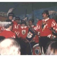 Der Fanfarenzug unter der Leitung von Bernd Sum spielte zur Eröffnung der Bunten Abende der Hofpeter.