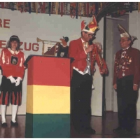 70 Jahre Schneckenburg: Die Gäste überreichten Ihre Geschenke.