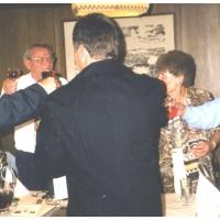 50 Jahre Elferrat: Ein Gläschen Wein durfte auch nicht fehlen.