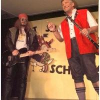 11.11. in der Linde: Volksmusiker (Gernot Bruderhofer) gegen Rockmusiker (Arthur Bruderhofer).