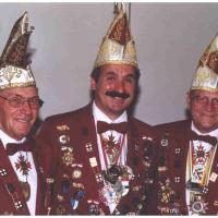 80 Jahre Schneckenburg: Von Links: Präsident Alex Volz, Vize-Präsident Ekkehard Moser und Ehren-Präsident Paul Bischoff.