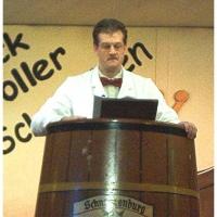 11.11. in der Linde: Der Warentester Rolf Reisacher erzählte von seiner Arbeit.