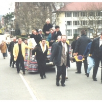 140 Jahre Elferrat: Die Fahrt ging über die Radlerbrücke in das Rheingold.