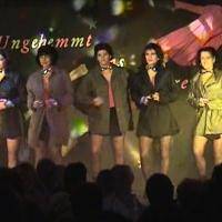 """11.11. in der Linde: Die """"Blues Brothers"""" mit der Tanzgruppe """"Just for Fun"""" unter der Leitung von Ute Hofmeier."""