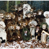 Schneeschreckerwachen in der Unikurve: Gruppenbild im Wald.