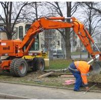 Das neue Narrenbaumloch: Dann musste die Grube für das neue Loch ausgehoben werden.