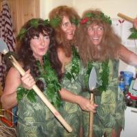 11.11. in der Linde: Die Amazonen Marion Auer, Dagmar Deutinger und Sabine Schieß standen auch parat.