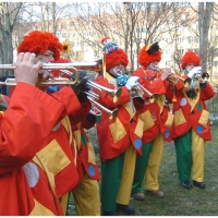 Rosenmontag war Clowntag: Besuch im Hindenburgblock.