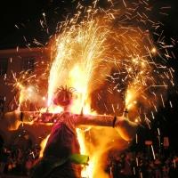 Verbrennung auf dem Stephansplatz: Zuerst brannte das Feuerwerk.