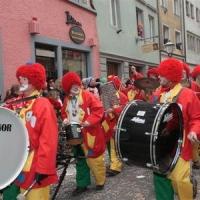 Umzug Fasnachtssonntag: Die Clowngruppe beim Umzug.