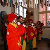 Schmutziger Donnerstag: Die Schneckenburg befreite die Gebhard-Schule.