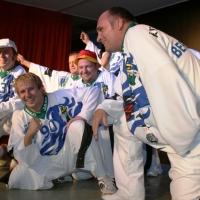 """11.11. in der Linde: """"Yes we can"""" mit dem Schneckenbürgler Männerballett unter der Leitung von Karin Ott."""
