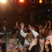 11.11. in der Linde: Das Publikum war bereits in bester Stimmung.