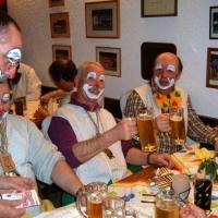 Rosenmontag mit der Clowngruppe: In Überlingen gab es wieder eine Essenspause.