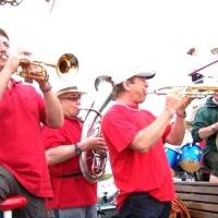 Vatertag der Clowngruppe: Erste musikalische Kostproben auf dem Kursschiff.