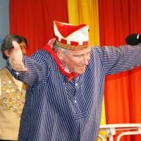 11.11. in der Linde: Gene Bruderhofer als Bernhard Streibert durfte nicht fehlen.