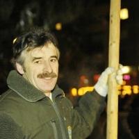 Narrenbaumstellen auf dem Gottmannplatz: Bernhard Kleiser von den Holzern konnte zufrieden sein.