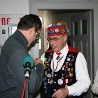 Ordensverleihung der Schneckenburg: Rolf Reisacher wird vom Landvogt geehrt.