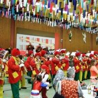 Rosenmontag mit der Clowngruppe: Auftritt beim Kinderball in Worblingen.