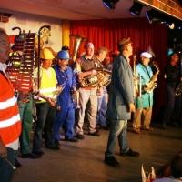 11.11. in der Linde: Die Musiker waren natürlich handwerklich vergleidet.