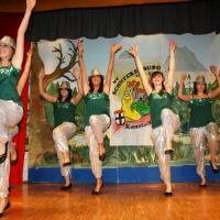 """90 Jahre Schneckenburg: Auch das Schneckenburg-Ballett """"Girls United"""" war dabei."""