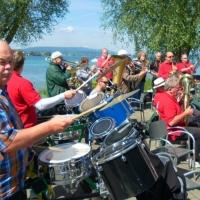 Vatertag der Clowngruppe: Erster Auftritt im Seegarten in Allensbach.
