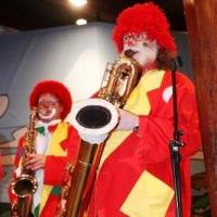 Frühschoppen im Konzil: Die Clowngruppe eröffnete das Programm.
