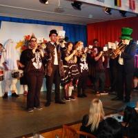 11.11. in der Linde: Nach der Pause eröffnete der Fanfarenzug den zweiten Teil.