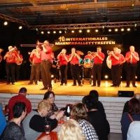 Männerballett-Treffen vom Schneeschreck: Zur Eröffnung spielte die Clowngruppe unter der Leitung von Gerd Zachenbacher.