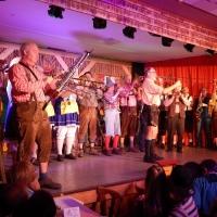 11.11. in der Linde: Eröffnung durch die Clowngruppe unter der Leitung von Gerd Zachenbacher.