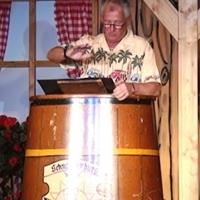 11.11. in der Linde: Der Gästebetreuer Gene Bruderhofer erzählte von seinem harten Beruf.