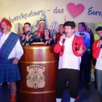 11.11. in der Linde: Dirk Mutter, Markus Deutinger und Wolfgang Sterk sangen das Abschlußlied und ein schöner Abend ging zu Ende.